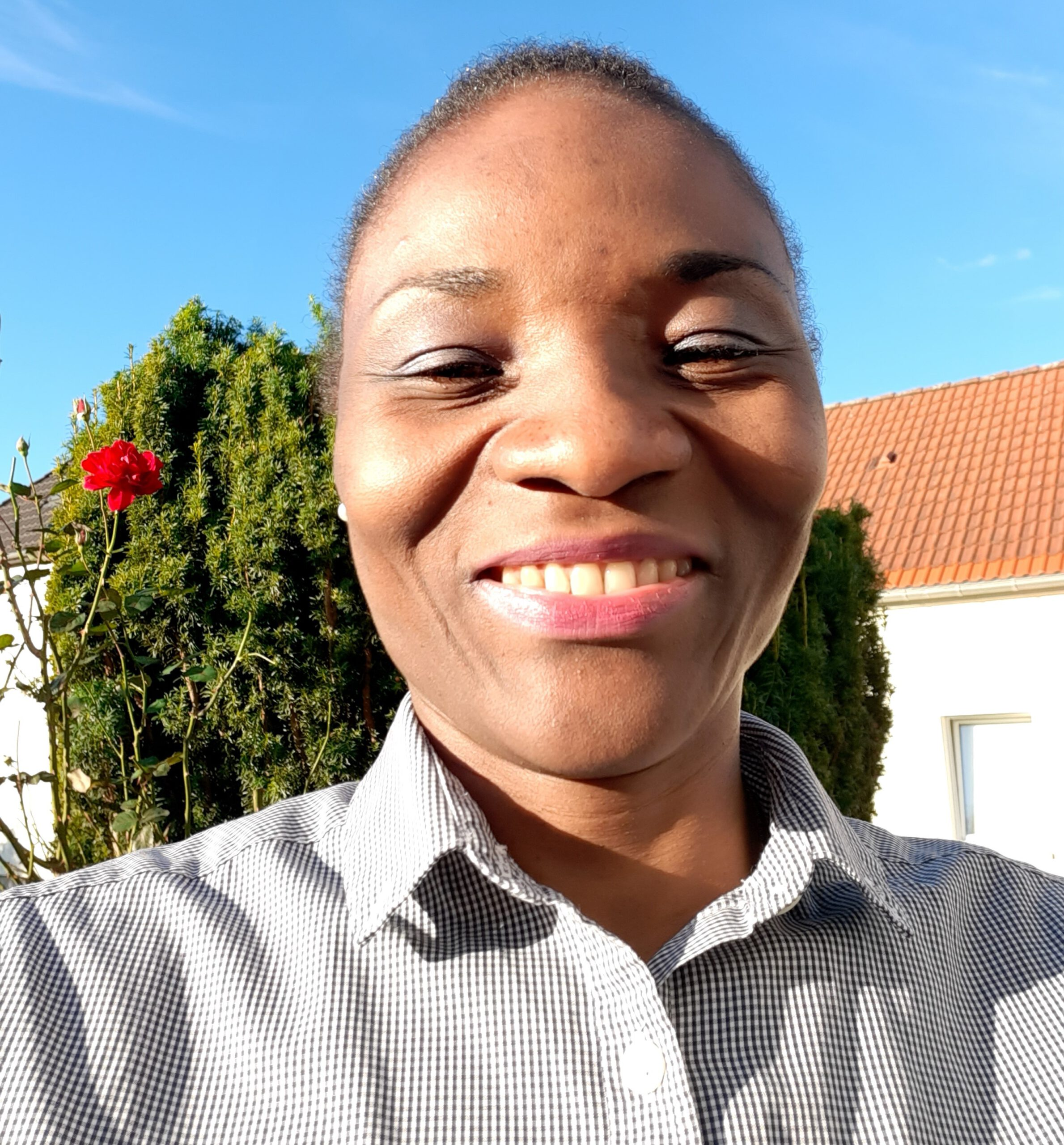 Suzie Essamba